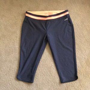 EUC Avia Cropped Workout Pants - Size L